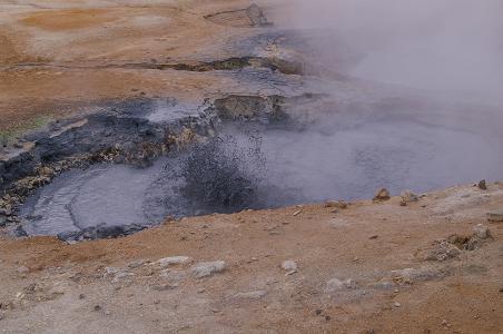 Schlammtopf im Gebiet Námaskarð