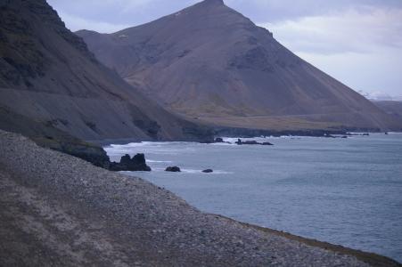 Ringstraße an der Küste im Südosten