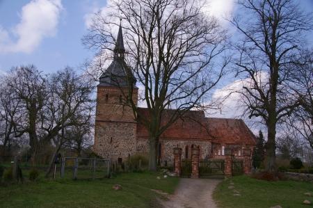 Kirche auf dem Weg nach Güstrow