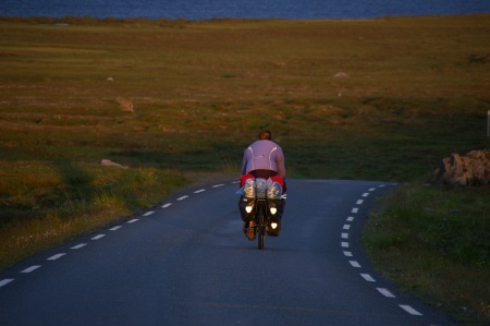 Anja auf dem Weg nach Vardø