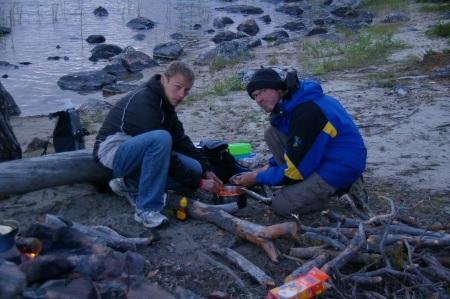Steffan und Holger beim Küchendienst