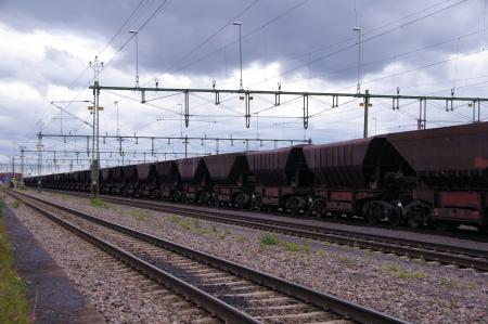 Das Eisenerz wird mit Güterzügen abtransportiert
