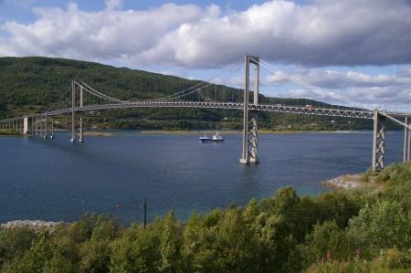 Brücke nach Hinnöya