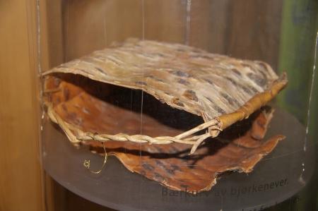 Birkenrindenbeerensammeltragetasche aus Birkenrinde