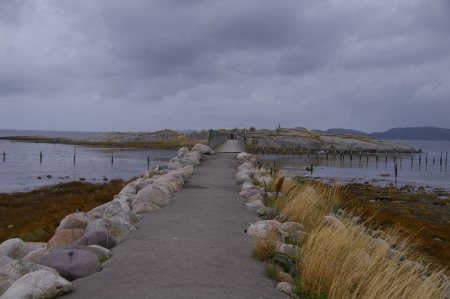 Brücke zu kleiner Insel