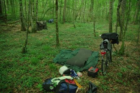 Biwak im Wald