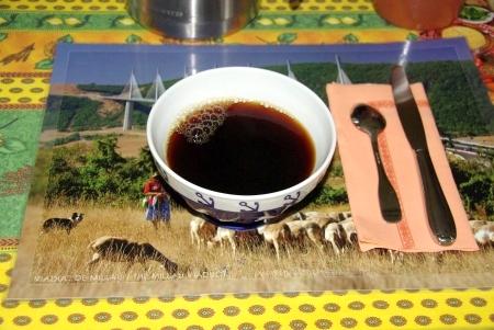 bol (franz. große Kaffeetasse)